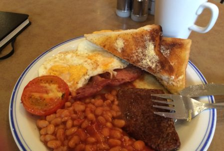 We must have gone to the Fountain Cafe in Alexandria 5 times. A delicious Scottish full breakfast (sans black pudding, thanks) and tea for $4.80? yes please.
